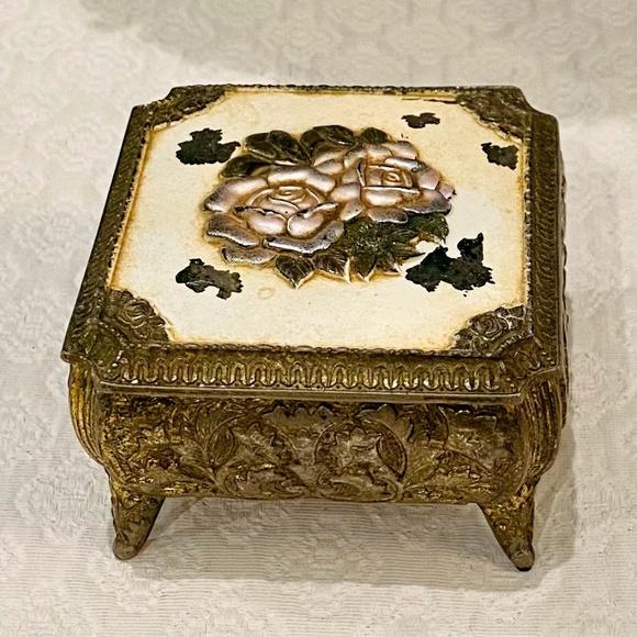 Vintage 1960's Footed Roses Trinket Box